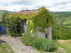 春の優雅なアブルッツォ州/モリーゼ州 古城と美しき村巡りの旅♪ Vol305(第11日) ☆Castropignano:カストロピニャーノ古城「Castello D'Evoli」哀愁の古城と周囲のパノラマ♪