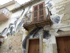 春の優雅なアブルッツォ州/モリーゼ州 古城と美しき村巡りの旅♪ Vol309(第11日) ☆Civitacampomarano:チヴィタカンポマラーノ城「Castello Angioino」と壁画の素晴らしい旧市街♪
