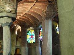 クリスマス前のバルセロナ弾丸旅行 その10 モンセラットから途中下車してコロニア・グエル教会を見学