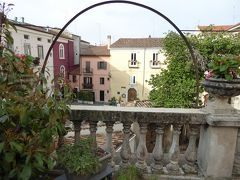 春の優雅なアブルッツォ州/モリーゼ州 古城と美しき村巡りの旅♪ Vol329(第12日) ☆Campobasso:ホテル「Palazzo Canbavina」素敵な朝食とテラスから旧市街を眺めて♪