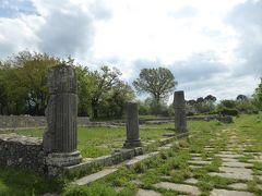 春の優雅なアブルッツォ州/モリーゼ州 古城と美しき村巡りの旅♪ Vol333(第12日) ☆Saepinum:古代ローマ遺跡の村「サエピヌム」神殿跡を眺めて♪