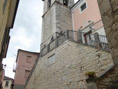 春の優雅なアブルッツォ州/モリーゼ州 古城と美しき村巡りの旅♪ Vol340(第12日) ☆Sepino:美しき村「セピーノ」ご主人を待ち続けるワンちゃんを眺めて♪