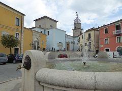 春の優雅なアブルッツォ州/モリーゼ州 古城と美しき村巡りの旅♪ Vol342(第12日) ☆Sepino:美しき村「セピーノ」カラフルな広場や市庁舎パラッツォを眺めて♪