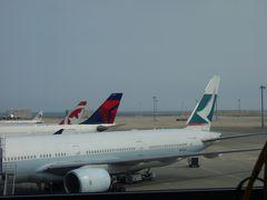 Cathay PacificのB777-300 に乗りました。CX531便。台北行きです。