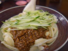 今日のランチは永康街で刀削麺。人気のお店です。