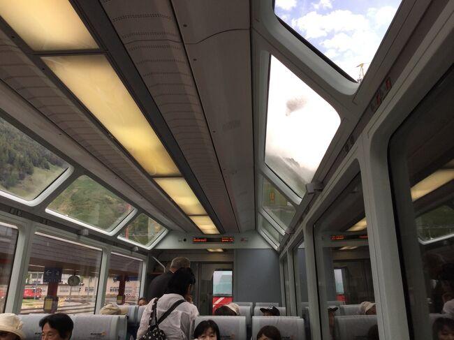 スイスは全日晴れ(氷河特急 GE 11/11)<br /><br />最後の観光はフルカ峠を車で越えて、氷河特急でスイスの景色をたっぷり(4時間)見て、フィリズール駅からに観光バスに乗り換えてチューリッヒに行き一泊して成田に戻りました。<br />空港にあるヒルトンホテルでした。<br /><br />チューリッヒ国際空港から成田空港間はスイスインターナショナルエアーラインズで往復です。<br />行きが12時間25分、帰りが11時間50分と長時間の飛行機旅です。<br />美味しい機内食でした。