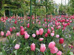 春の花咲き誇るモネの家 in ジヴェルニー