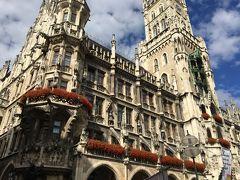 ドイツ、ロマンチック街道に行ってみた。①成田からドーハ経由でミュンヘンまでミュンヘン市庁舎前はクリストファーストリートデイをやっていた。