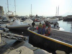 プーリア州優雅な夏バカンス♪ Vol5(第2日) ☆Napoli:朝のサンタルチア港♪ 優雅な散歩♪