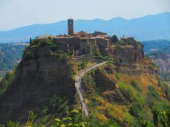 イタリアの小さな村を訪ねる旅(7) 天空の村 チヴィタ・ディ・バーニョレージョ