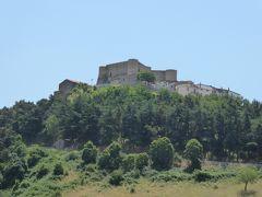 プーリア州優雅な夏バカンス♪ Vol7(第2日) ☆Montevede:美しき村「モンテヴェルデ」古城へ歩く♪