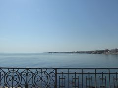 プーリア州優雅な夏バカンス♪ Vol22(第3日) ☆Trani:朝の「Villa Parco Comunale」優雅な散歩 青いアドリア海を眺めて♪