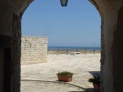 プーリア州優雅な夏バカンス♪ Vol33(第3日) ☆Barletta:美しき「バルレッタ城」屋上から下りて城外へ♪