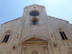 プーリア州優雅な夏バカンス♪ Vol34(第3日) ☆Barletta:美しき「バルレッタ大聖堂」眺めて♪