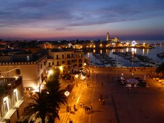 プーリア州優雅な夏バカンス♪ Vol38(第3日) ☆Trani:パラッツォホテル「Mare Resort」屋上から夕暮れのトラーニを眺めて♪