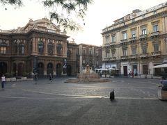 バスとフェリーで東西横断  美しきシチリアの旅①カターニア