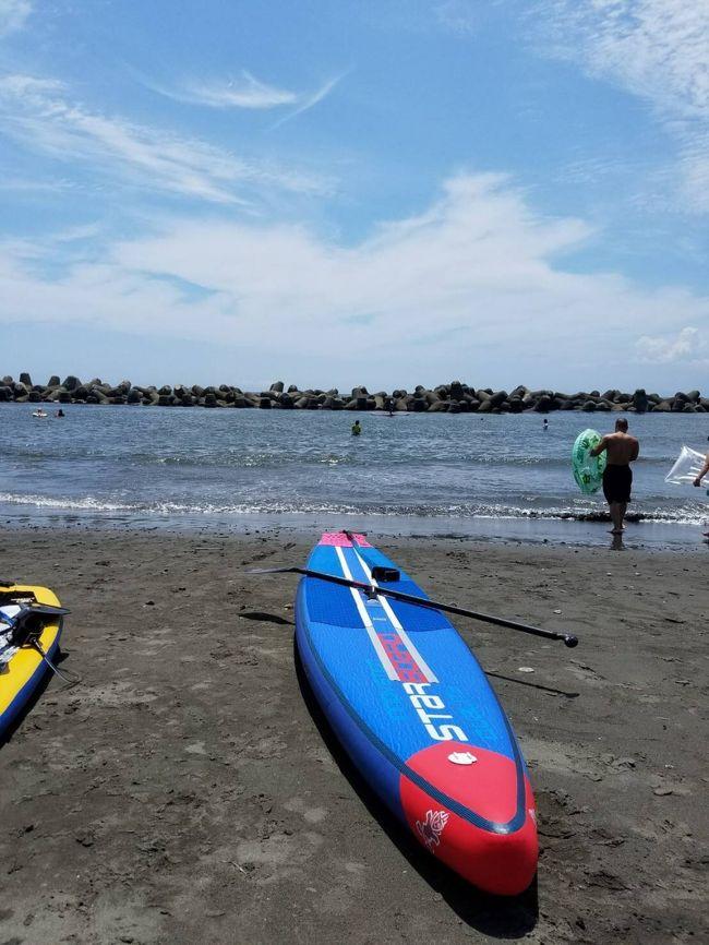 SUPとは、スタンドアップパドルボードのことです。<br />友人の紹介で、土曜日の午前中、SUPを平塚の海で体験しました。<br /><br />ショップはビーチガレージ<br />http://beachgarage.web.fc2.com/index.html
