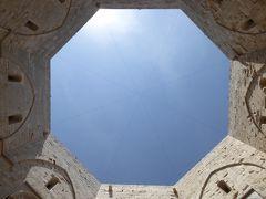 プーリア州優雅な夏バカンス♪ Vol44(第4日) ☆世界遺産「Castel del Monte」八角形の天窓を優雅に眺めて♪