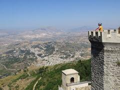 バスとフェリーで東西横断 美しきシチリアの旅④エリチェ