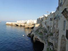 プーリア優雅な夏バカンス♪ Vol55(第4日) ☆Polignano A Mare:美しい旧市街 黄昏の絶壁風景を眺めて♪