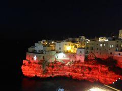 プーリア州優雅な夏バカンス♪ Vol58(第4日) ☆Polignano A Mare:「Hotel Covo dei Saraceni」スイートルームのテラスから赤に染まる絶景に驚愕♪