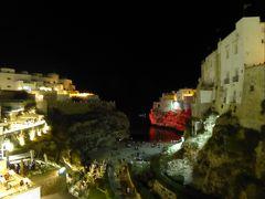 プーリア州優雅な夏バカンス♪ Vol61(第4日) ☆Polignano A Mare:橋から赤の旧市街を眺めて♪