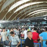 上海の浦東空港・春秋航空カウンターがパンク・2017年