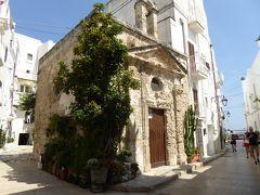 プーリア州優雅な夏バカンス♪ Vol71(第5日) ☆Monopoli:美しいモノポリ旧市街 小さな教会・城壁・賑わうビーチを眺めて♪
