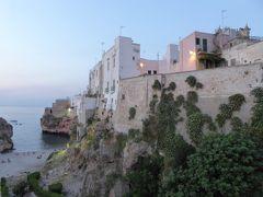 プーリア州優雅な夏バカンス♪ Vol84(第5日) ☆Polignano a mare:黄昏のポリニャーノ・ア・マーレ旧市街を優雅に歩く♪