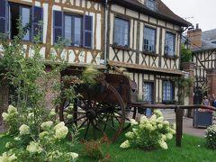 フランス・ベルギー・ドイツ3週間ひとり旅 (NO5) :7月16日(日) ippuniさんが連れて行ってくれたフランスの美しい村 リヨン・ラ・フォレ とジェルブロワ