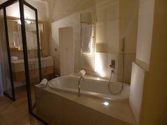 プーリア州優雅な夏バカンス♪ Vol105(第6日) ☆Ostuni:ホテル「La Sommita Relais」ジュニアスイートルームは癒しの空間♪