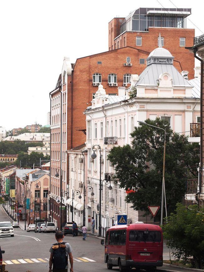 GWにサンクトとモスクワに行ってからハマってしまったロシア。<br /><br />また行きたいな~と思っていたところ、とても安いフリーツアーを発見。<br />日程もバッチリだったので弾丸ですが(実質ウラジオ1日、ハバロフスク1日)行ってきましたウラジオストクとハバロフスク!<br /><br />JICロシア旅行センターさん<br />http://www.jic-web.co.jp/index.html