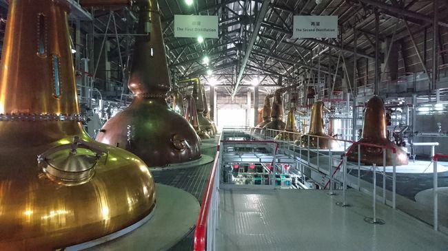 山崎蒸留所に続き、山梨県北杜市にあるのサントリー白州蒸溜所見学に行って来ました。<br /><br />こちらの蒸留所は、サントリーウイスキー誕生50周年を記念して山崎蒸溜所に次ぐ同社二つ目の蒸溜所として1973年に設立されたそうです。<br /><br />開園時間まで、ぶらぶらしていました。<br /><br />サントリー白州蒸溜所<br />〒408-0316山梨県北杜市白州町鳥原2913-1<br />営業時間:9:30~16:30<br /><br />こちらもご覧いただければ幸いです。<br /><br />・工場見学サントリー白州蒸留所 その1/前拍のために甲府へ<br /> http://4travel.jp/travelogue/11273736<br /><br />・工場見学サントリー白州蒸留所その3/ウィスキー博物館<br /> http://4travel.jp/travelogue/11273960<br /><br />
