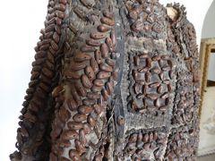 プーリア州優雅な夏バカンス♪ Vol135(第8日) ☆Carovigno:「カロヴィーニョ城」中世時代の鎧を眺めて♪