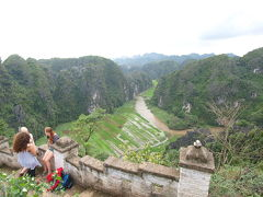 ニンビン、ハンムア Hang Múa から望む、絶景のタムコック Tam C?c