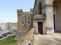 プーリア州優雅な夏バカンス♪ Vol157(第9日) ☆Mesagne:「メザーニェ城」(Castello di Mesagne)テラスから古城の景観を眺めて♪