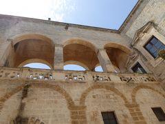 プーリア州優雅な夏バカンス♪ Vol158(第9日) ☆Mesagne:「メザーニェ城」(Castello di Mesagne)古代ローマ遺跡を眺めて♪