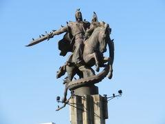 キルギス 「行った所・見た所」 ビシュケクのオシュバザールと公園散策