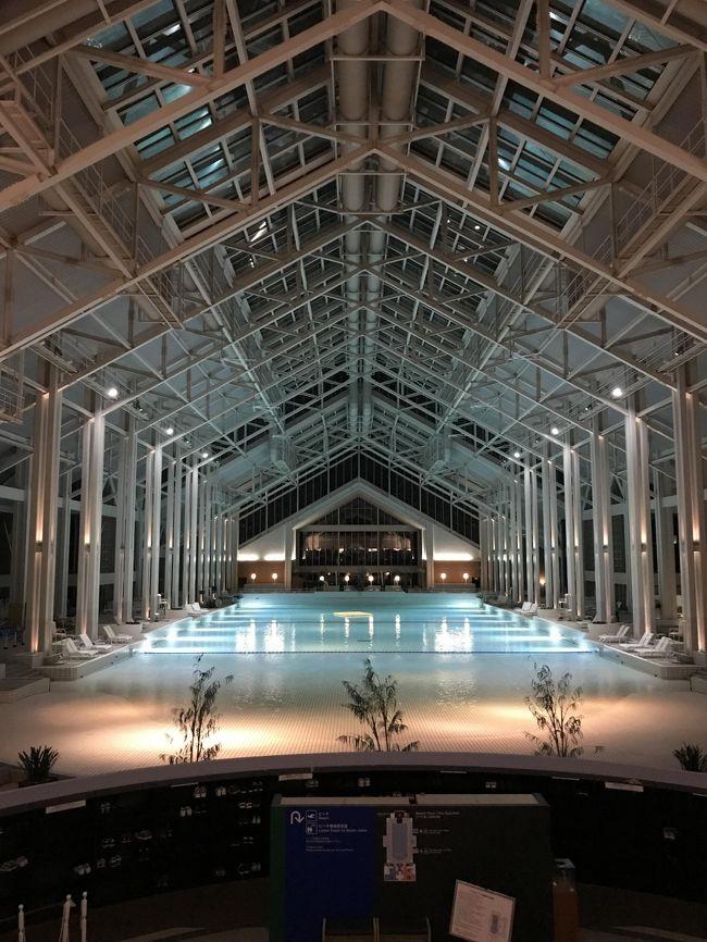 今年の夏休みも北海道へ!<br />八か月になるベビーがいるので、ベビーに優しいホテルを選び、ゆったりと日程を組みました。初めての飛行機、どうなることかとドキドキでしたが、行きも帰りもよく寝てくれて、安心しました(^-^<br /><br />宿泊したホテルは、星野リゾートが運営を任されている「星野リゾート トマム ザ・タワー」。「ままらくだ」という、赤ちゃん連れに優しいサービスが充実しており、とても楽しく過ごせました。<br /><br />初めての飛行機、初めての外食(離乳食)、初めてのプール、、と初めて尽くし!<br /><br />初めての息子との夏休みは、プライスレスな思い出でいっぱいの夏休みとなりました。<br /><br />■旅の目次<br /><br />八か月ベビ連れ トマム旅行①<br />http://4travel.jp/travelogue/11278517<br /><br />八か月ベビ連れ トマム旅行②<br />http://4travel.jp/travelogue/11278563<br /><br />八か月ベビ連れ トマム旅行③<br />http://4travel.jp/travelogue/11278855<br />