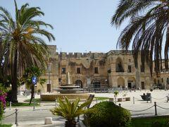 プーリア州優雅な夏バカンス♪ Vol206(第12日) ☆Cavallino:美しい広場「Piazza S.Castromediano」/教会「Chiesa Maria SS.Assunta」を眺めて♪