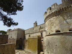 プーリア州優雅な夏バカンス♪ Vol208(第12日) ☆Acaya:美しい「アカイア城」城門やお堀を眺めて♪