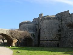 ギリシア2日目 歴史の島 ロードス島 ② 聖ヨハネ騎士団の作り上げた城砦の町 ロードス
