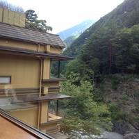 緑深い甲斐の国...早川渓谷の仙郷・西山温泉と信仰のお山・身延山
