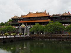 ベトナム中部の古都フエ 蘇りつつある王宮を巡る