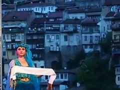 素朴でソフトで・・・食べ物もおいしく・・・物価も安く・・・トルコチックな家並みも可愛かったよ!緑多きブルガリア 20 ★ヴェリコ・タルノヴォ⑦★光の丘に囲まれて・・・美しすぎるヴェリコ・タルノヴォの夜景★