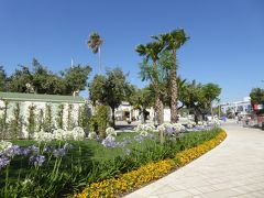 プーリア州優雅な夏バカンス♪ Vol278(第14日) ☆Otranto:オートラントのビーチへ 朝のドンノ広場を歩く♪