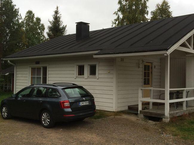 2015年の9月に、オーロラを観たくてフィンランドに行きましたが、残念ながら観られませんでした。<br /><br />2016年にもリベンジをかけフィンランド行きを計画していましたが、身内の不幸があり直前でキャンセル。<br /><br />2年越しのリベンジを誓った今年、再度、フィンランド行きを決行。<br /><br />結果としては、滞在中ずっと天候に恵まれず、残念ながらオーロラは観られませんでしたが、2年前には出来なかったトレッキングをして、たくさんのベリーを摘みジャムを作りました。<br /> <br />もちろんヘルシンキにも滞在し、今回は日帰りでタリンまで足を延ばしました。<br /><br />しかし、奇跡的に帰国便の窓からオーロラを観ることが出来ました!<br /><br />これは、出国から北極圏のロバニエミ滞在記です。<br />