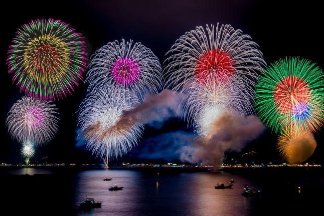 日本一の豪華客船飛鳥Ⅱで熊野大花火を船上から見てきました。<br /><br />熊野大花火写真集が下記アドレスでご覧になれます。<br />http://zenpakusan.com/nihon3/66/index.html<br /><br />70カ国の世界遺産や世界一周クルーズ旅行記など掲載したHPが下記アドレスでご覧になれます。<br />http://www.zenpakusan.com/<br /><br />