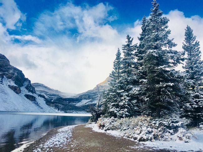 秋のカナダ9日間の女二人旅<br />その①出発~バンフ到着、カナディアンロッキー観光編<br />カナダ建国150周年の今年はラッキーなことに国立公園入場無料<br />雄大な大自然の迫力は体験しないと伝わらない!<br />忘れたくない感動の景色の数々やおいしいグルメの思い出旅行記。<br /><br />あと観光ブックの情報では足りないことが多くて<br />事前リサーチが大変だったので<br />少しでも同じような方のお役に立てれば良いなぁ(^^)