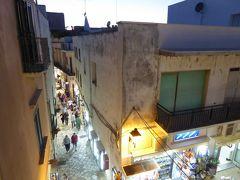 プーリア州優雅な夏バカンス♪ Vol294(第14日) ☆Otranto:高級ホテル「Palazzo Papaleo」ジュニアスイートルームや屋上から夜景を眺めて♪